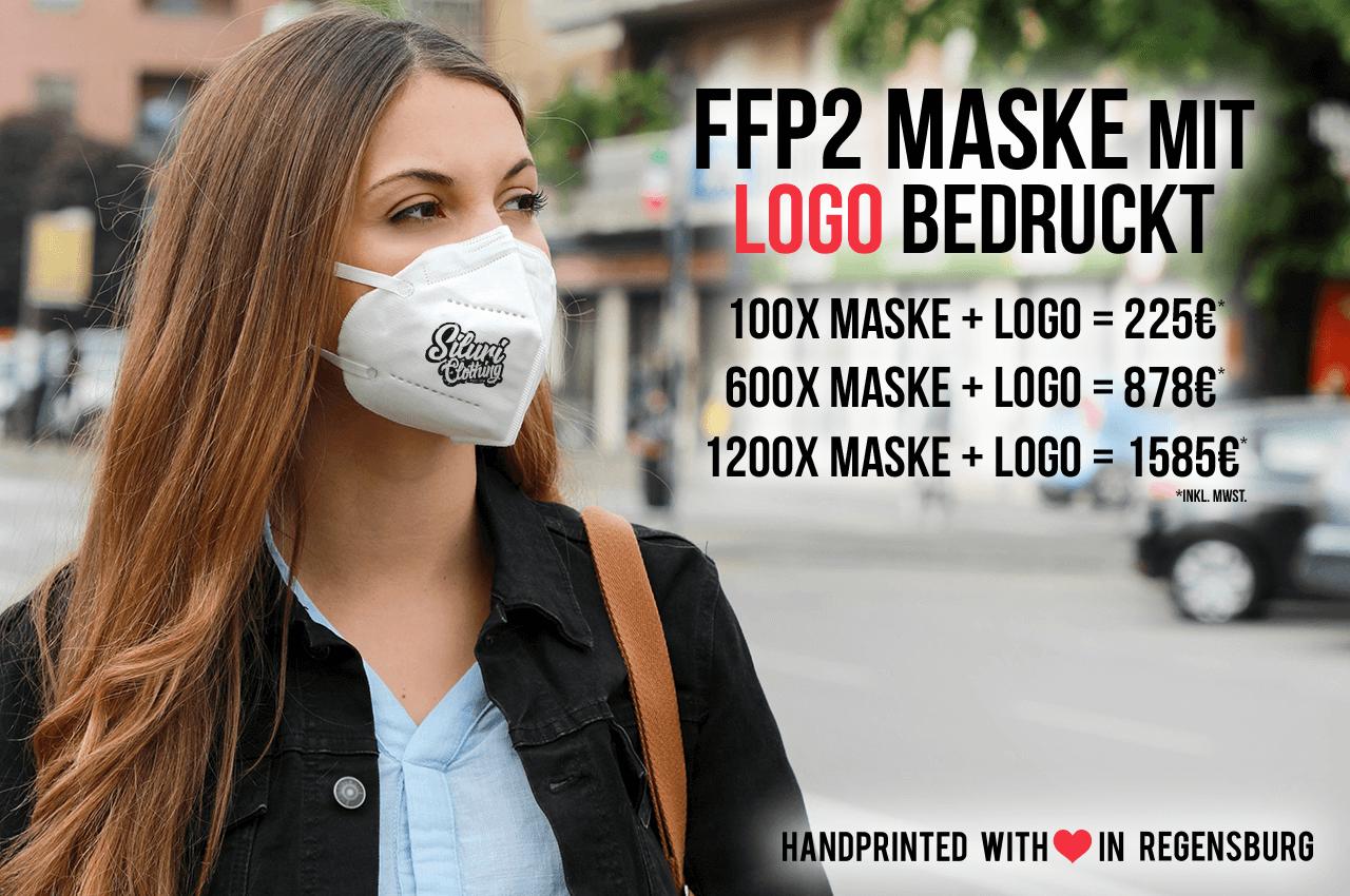 Damen mit bedruckter FFP2 Maske